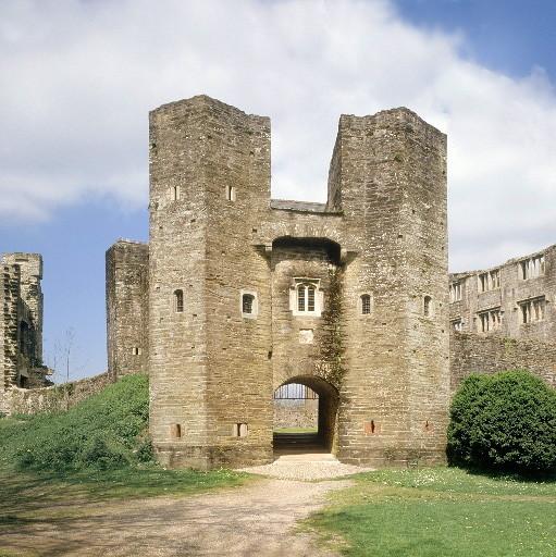 Berry Pomeroy Castle repair